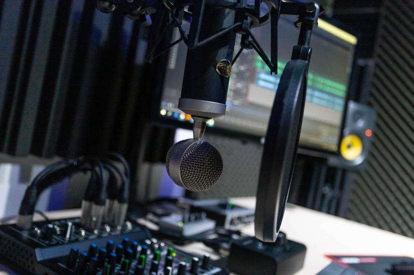 studio-4065107_1280